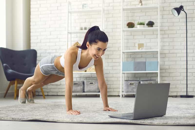yoga o gimnasio 1 min