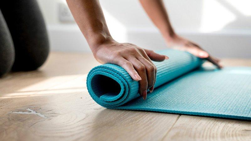 Cómo limpiar la esterilla de yoga